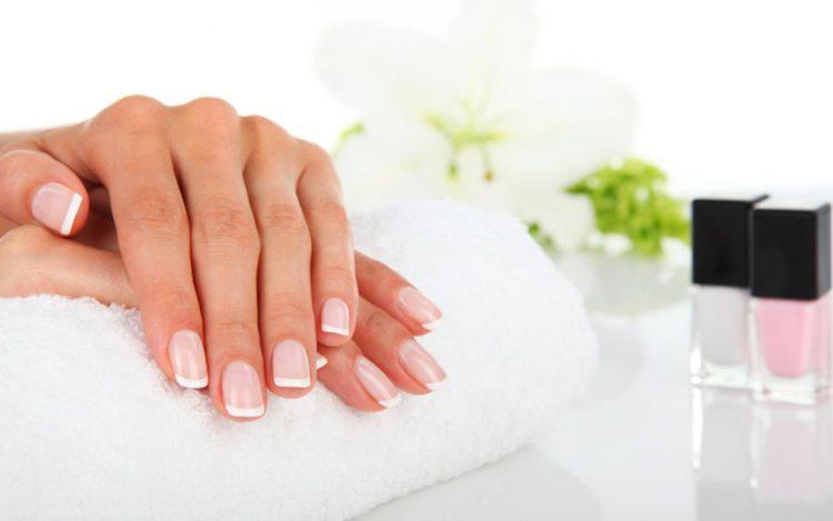 Manicura japonesa – Tratamiento de regeneración para uñas dañadas