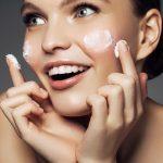 Unos pocos pasos para perfeccionar la piel: ¿cómo elegir y utilizar una prebase de maquillaje?
